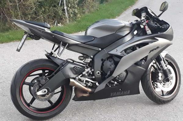 Yamaha YZF R6, € 8.500,-